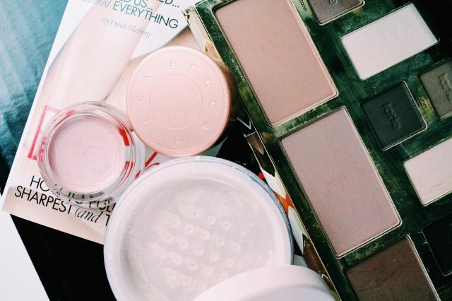 Revlon Photoready Candid Powder mit praktischer Entnahme