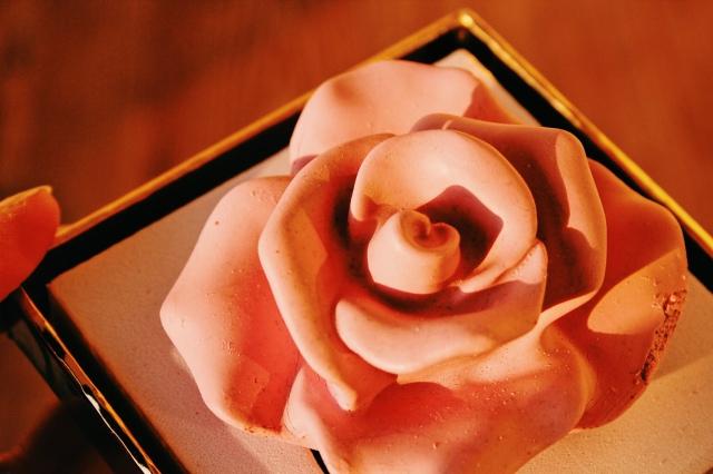 Die 3D Rose in Maskenform von Love Rose Cosmetics
